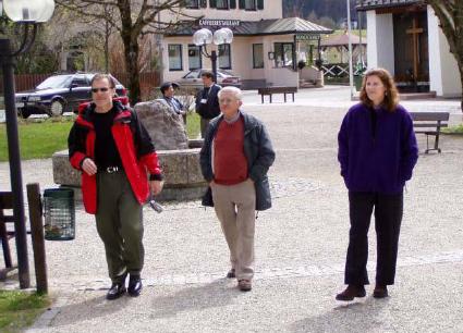 Gary Metcalf, Charles Francois, Marilyn Metcalf, Fuschl Conversation 2004, IFSR Newsletter 2004 Vol. 22 No. 1 October