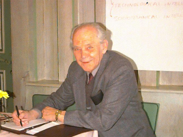 IN MEMORIAM  Bela H. Banathy 1919-2003