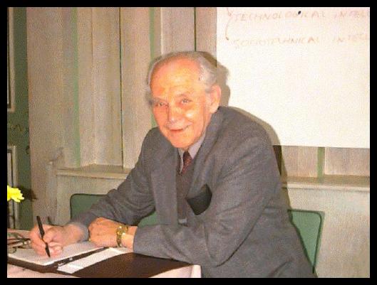 Bela H. Banathy (1919-2003), IFSR Newsletter 2007 Vol. 25 No. 1 December