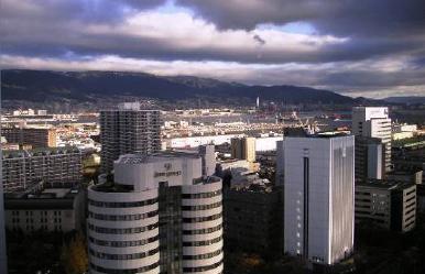 A view of Kobe, IFSR 2005 Congress, IFSR Newsletter 2005 Vol. 23 No. 1 December