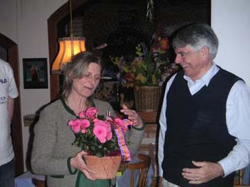 Mrs. Idinger, our host, and Gordon Dyer, Fuschl Conversation 2004, IFSR Newsletter 2004 Vol. 22 No. 1 October