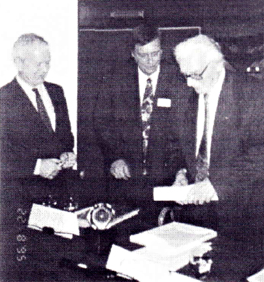 Konrad Zuse honored in Namur, Foto by Franz Pichler, IFSR Newsletter 1995 Vol 14 No 4 (39) December