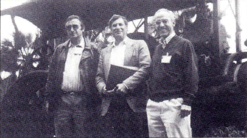 PROF FRANZ  PICHLER, AUSTRIA  LEFT  WITH GLASSES), PROF BERNARD ZEIGLER, USA (MIDDLE), PROF. ROBERTO MORENO-DIAZ, SPAIN  (GENERAL CHAIRMAN EUROCAST '89 - RIGHT), IFSR Newsletter 1989 No. 2 Spring